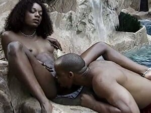Black temptress gets banged in the beach