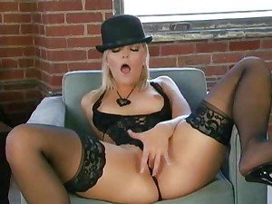 Alexis Texas is all by herself