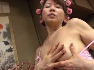 Reiko Makihara Naughty Asian Mother And Son Bathing