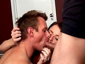 Booty brunette spreads her legs for two bisexual dudes