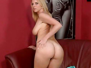 Eve the horny blonde girl shows her body on the casting