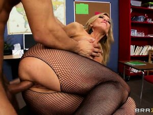 Hired blonde blonde hussy makes a visit to the classroom for horny teacher