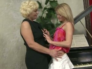 Hairy lesbian granny for sweet blonde babe