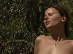 Teen babe Claudia Rossi outdoor sex