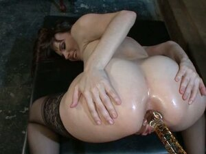 Threesome anal fucking extravaganza with two stunners