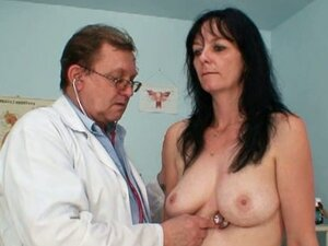 Amateur brunette granny twat checkup by filthy gyn medic