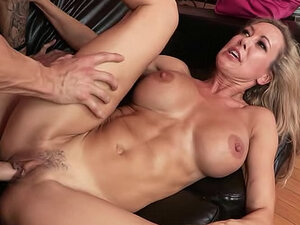 Fit milf fucked in her wet vagina