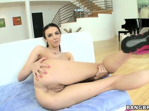 Tiffany Tyler is the real blowjob queenie and she's here to prove it
