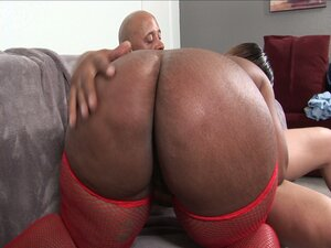 Horny ebony bbw bitch rammed hard on her wet pussy