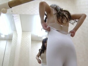 Pretty ballet dancer nude and ready for class on spy cam