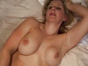 Blonde Solo Mature