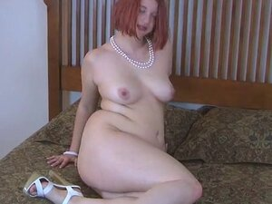 Chubby redhead strips and play