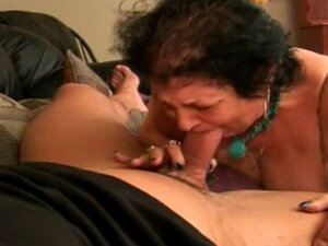 Short Granny gives a nice blowjob.