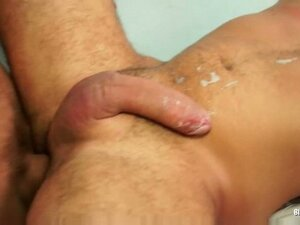 Nasty pussy and ass stretching bisexual threesome