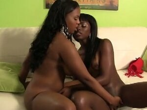 Laylani and ana's ebony lez