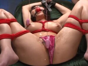 Precious Maki Oda has sexy toys inserted in her gee