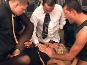 Sexy milf in pantyhose Lili having sex in office